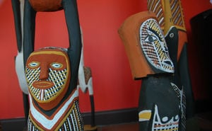 Aboriginal sculptures in window of Woolloongabba Art Gallery